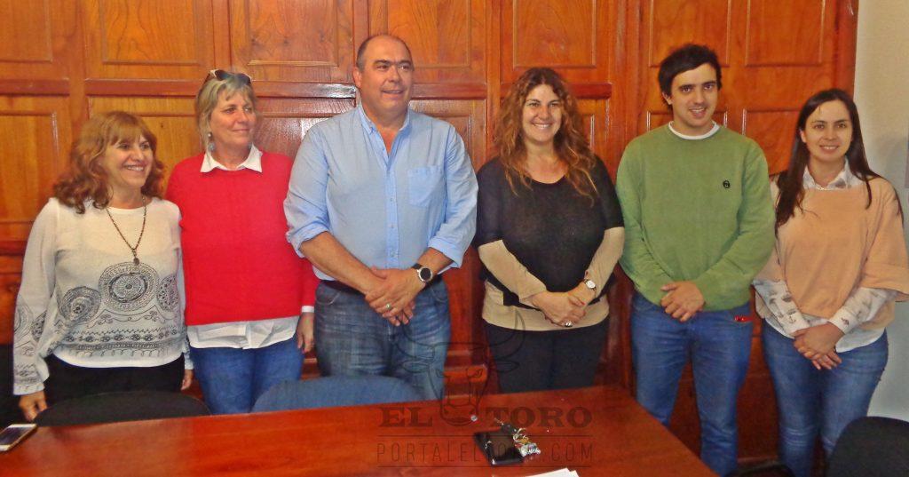 Oscar Sánchez junto al equipo de Cambiemos Casares