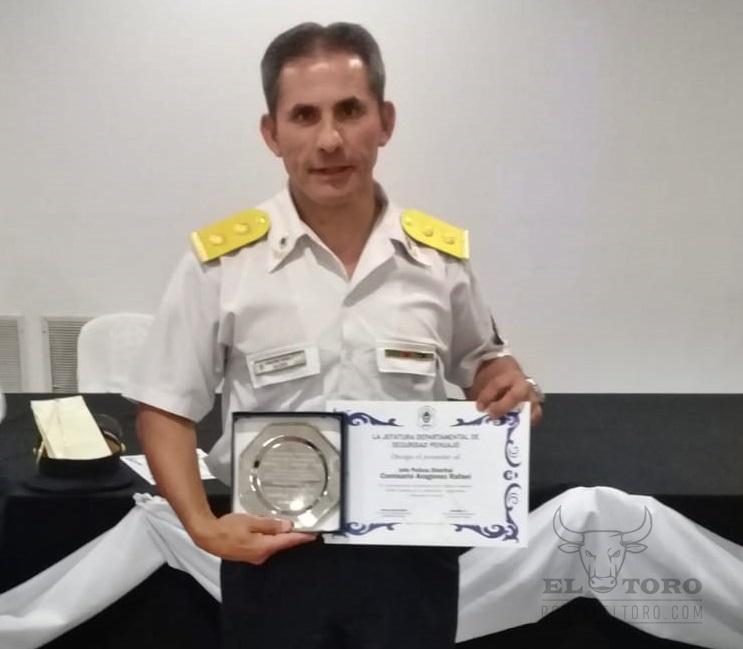 Comisario distrital Rafael Aragones, reconocido en Pehuajó