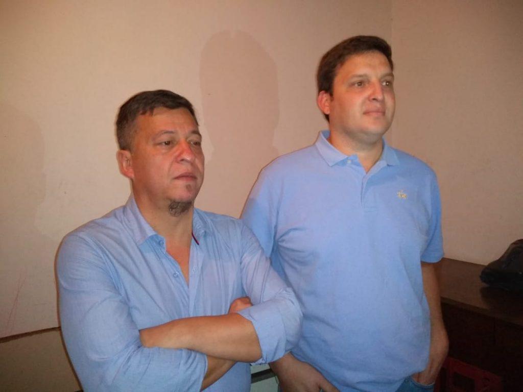 Rubén Díaz y Emanuel Gemelli dialogando con los medios