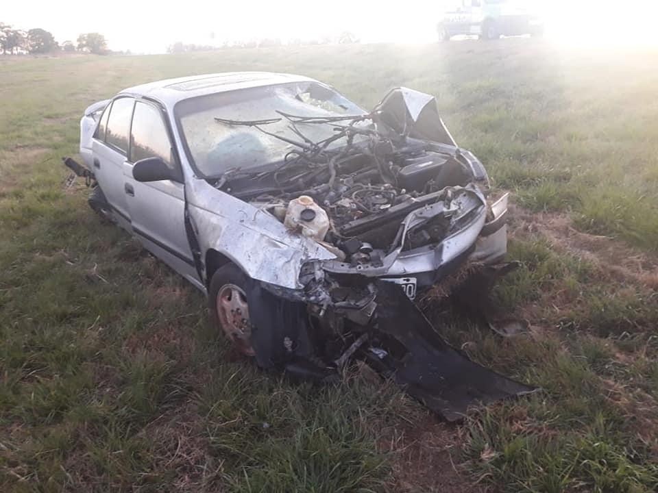 Así quedó el Toyota Corolla de Federico Cervellini después del tremendo vuelco entre Pehuajó y Carlos Casares- Foto: Gentileza Radio Magica (Pehuajó)
